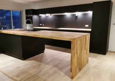 grande cuisine noire et bois esprit scandinave